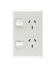 PDL 692, Double Vertical Switched Socket Outlet, 10A, 250Vac.